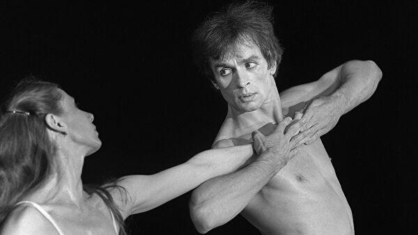 Rudolf Nureyev dancing